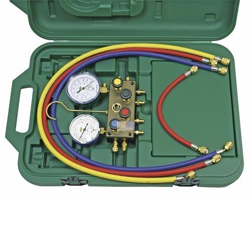 Klick zeigt Details von Monteurhilfe Refco 4-Weg  R600A Isobutan